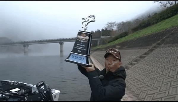 深江真一プロが凱旋!フットボールジグで冬の野村ダムを攻略(動画)_001