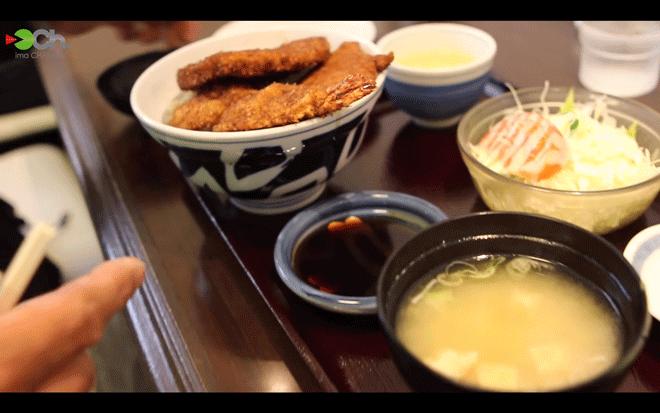 ヨーロッパ軒 総本店の三種盛スペシャルカツ丼